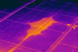 Plat dak lekkage inspectie met thermografie